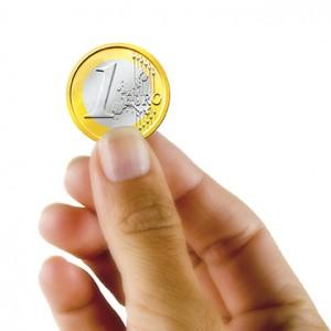 58 Mano con euro 845S2626